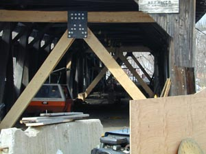 John Weaver's A-frame stabilizers. Photo by Joe Nelson, Feb. 22, 2001