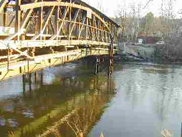 Flood waters came within  14 inches of the steel supporting beams<br>Photo from Joe Nelson Nov 21, 2003