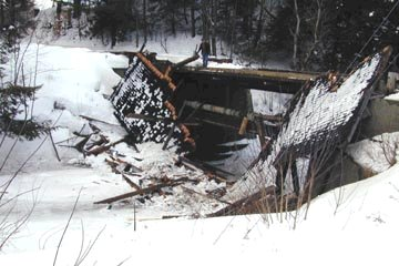 Power House Bridge. Photo by Joe Nelson, March 9, 2001