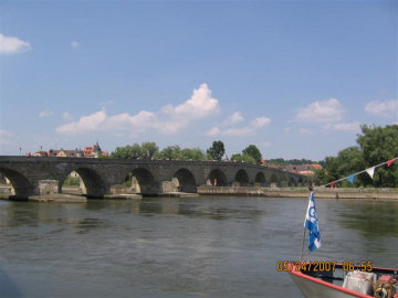 Steinerne brucke. Photo by the Keatings, May 2007
