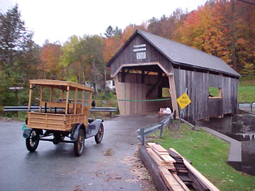 The Lincoln Gap Bridge in Warren before ceremony. Photo by David Guay, October 6, 2000